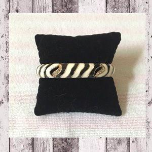 Jewelry - 🆕 Enamel Zebra Bangle Bracelet